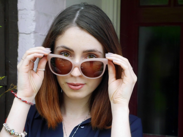 Blogger in Sunglasses