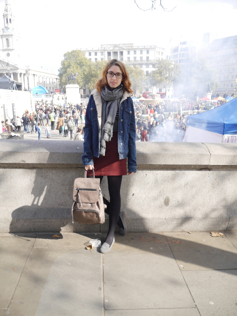Short haired blogger in Trafalgar Square