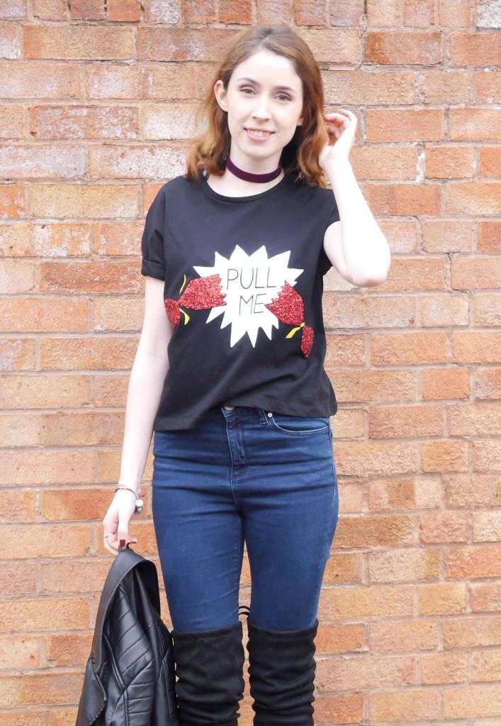 Christmas T-shirt OOTD
