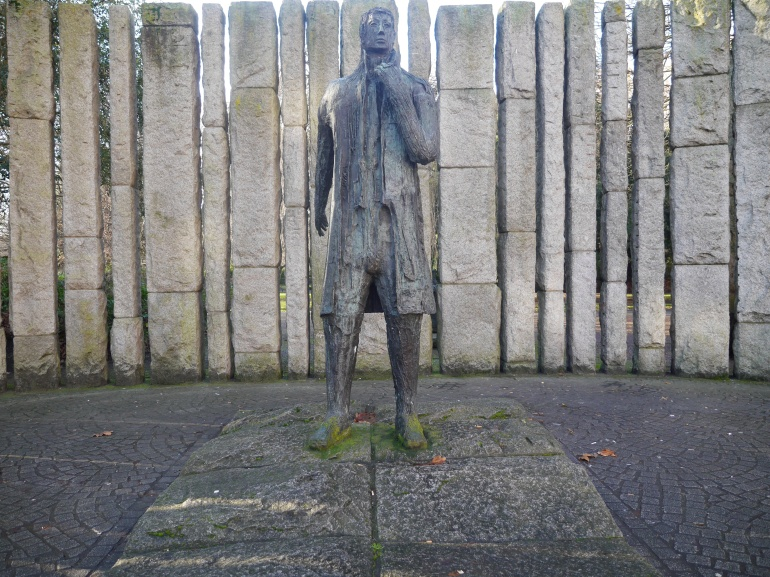 Statue by Merrion Square