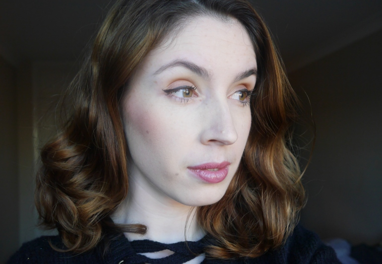 Blogger wearing New Cid foundation in Latte